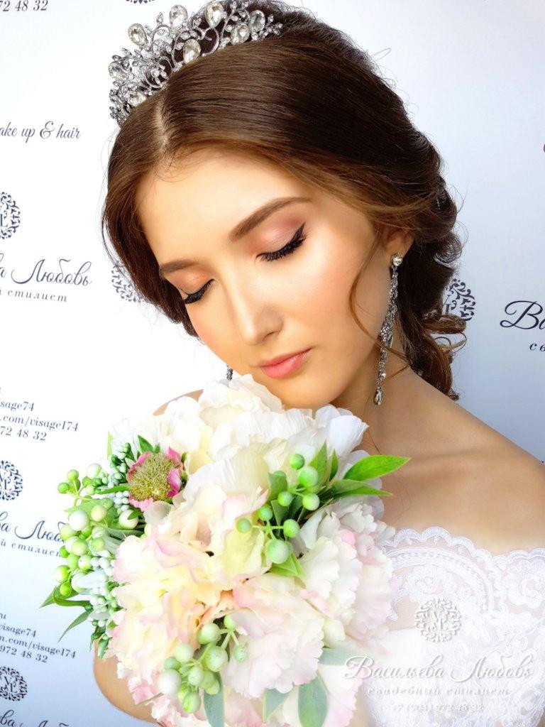 греческая-коса-по-спине-макияж-невесты-Челябинск (4)