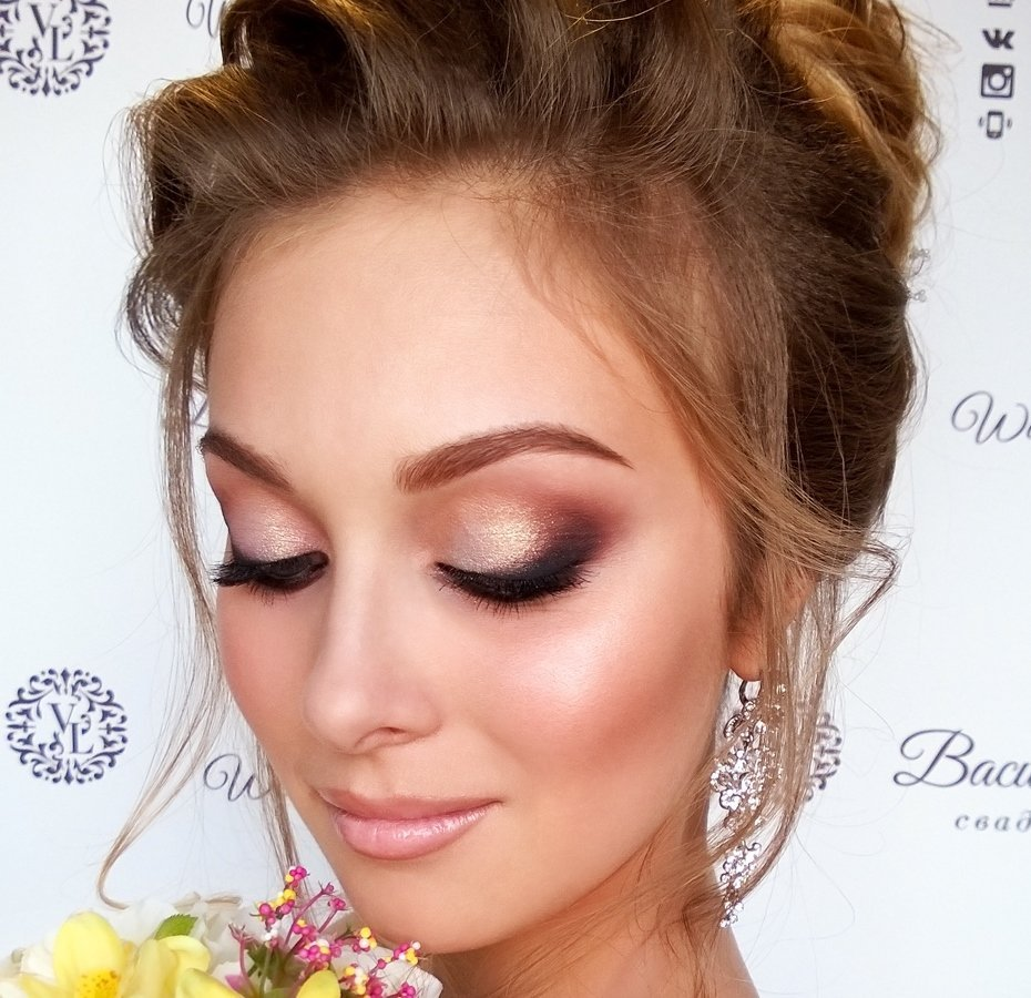прическа невесты_воздушный пучок_макияж свадебный (3)