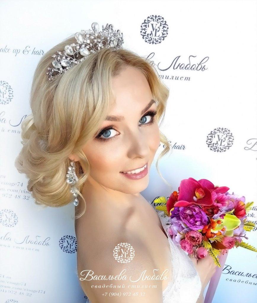 визажист-челябинск-макияж-свадебный-прическа-невесты-низкий-пучок (13)