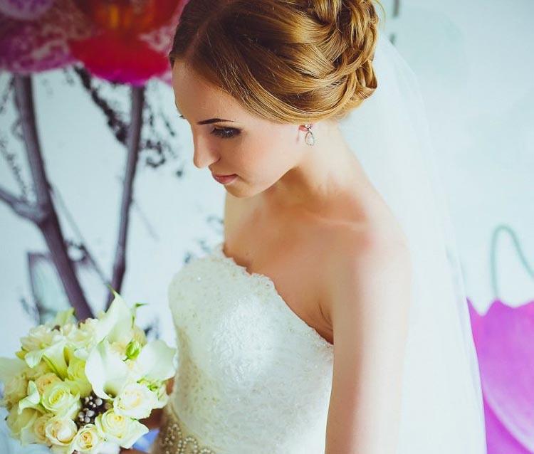 прически свадебные : Васильева Любовь